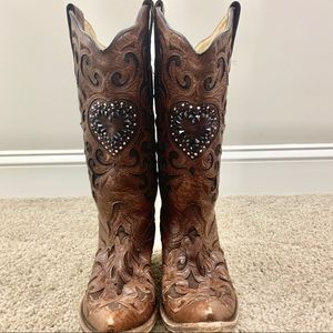 Gorgeous CORRAL Maipo Crystal Heart Cowboy Boots
